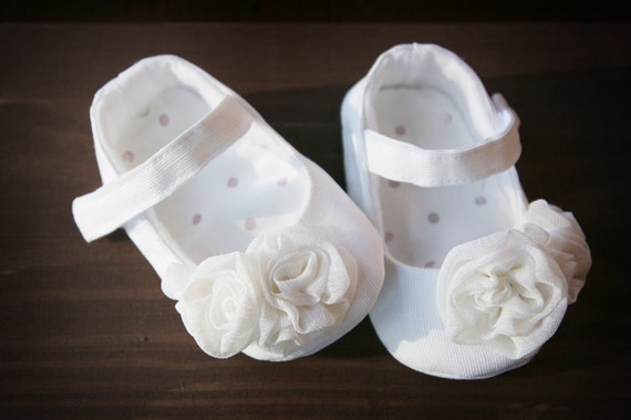 Cream white baby shoes christening shoes wedding mary janes