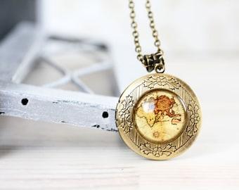 Vintage World map locket necklace - For traveler