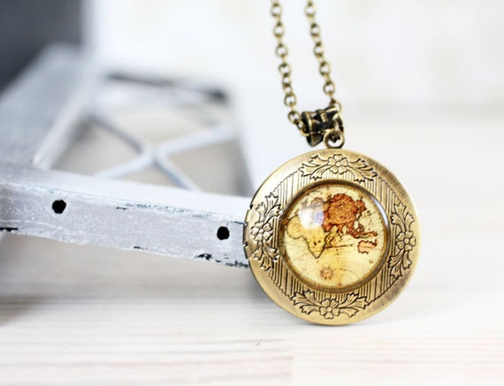 Vintage World map locket necklace - For traveler