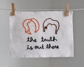 X-Files Mulder and Scully Hair Embroidery - The Truth is Out There - 5 x 7 size