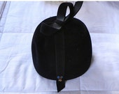 SALE 30% OFF Vintage Black Hat with Bow