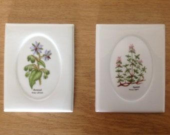 Set of two vintage German wall plaques with flowers melitta 12X9 cm