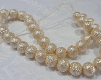 249-3 Perle de acrylic texturé  12mm   beige crème 1 corde