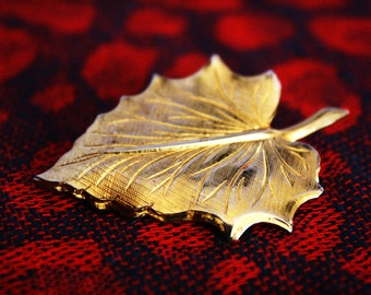 Vintage Gold Plated Dipped Leaf Pin