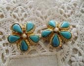 Sweet Vintage Turquoise Clip On Earrings