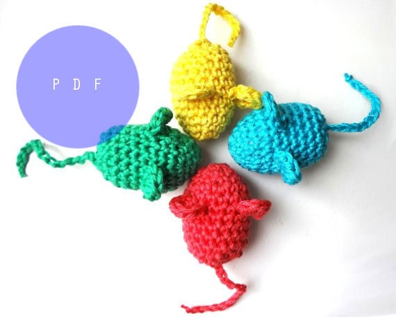 Crochet pattern amigurumi mouse cat toy no sewing by for How to crochet cat toys