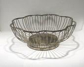 Wire Fruit Bowl - Mod Wire Basket - Metal Fruit Bowl - Decorative Wire Basket - Wire Serving Basket - Mid-Century Basket - Minimalist Bowl