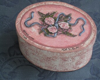 Vintage Rosy Pink Sponge Painted Oval Box With Numbered Limited Edition Print on Top - Kate Miller 1989 - Home Decor, Storage