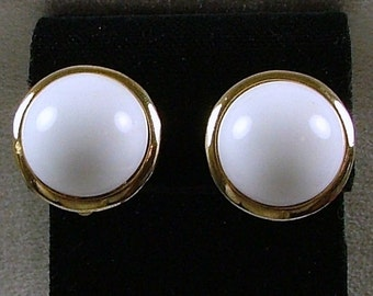 NETTIE ROSENSTEIN Milk Glass Clip On Earrings