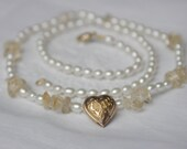 Valentine's day, pearl necklace with heart necklace fine white pearls necklace Vintage goldplated citrin art nouveau golden heart romantic
