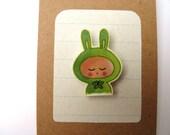 Bunny rabbit girl - brooch - green