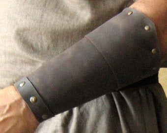 Medieval Celtic Viking Barbarian Bracers Pointed