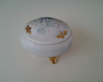 Antique Porcelain Trinket Jewelry Box Handpainted Flowers Gold Gilt