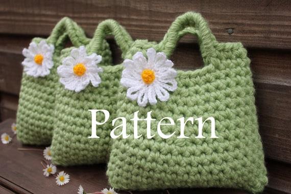 Crochet Small Daisy Flower Pattern : CROCHET PATTERN Little Girls Daisy Flower by ...