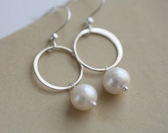 Karma earrings,Circle Earrings,Pearl earrings,karma and pearl,sterling silver,wire wrapped,Wedding jewelry,Bridesmaid gifts