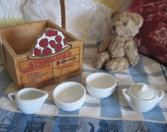 Sweet Little Doll  Dish Set..Great for American Girl Dolls :)S