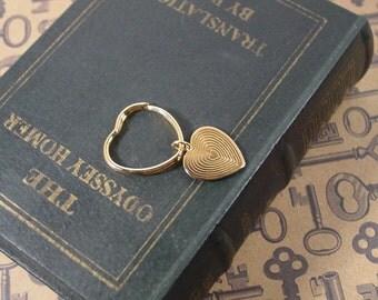 Dangling Heart gold tone key ring 1986 Avon