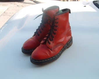 Dr MARTEN'S boots hand made air cushion sole size 38 pre-owned made in England