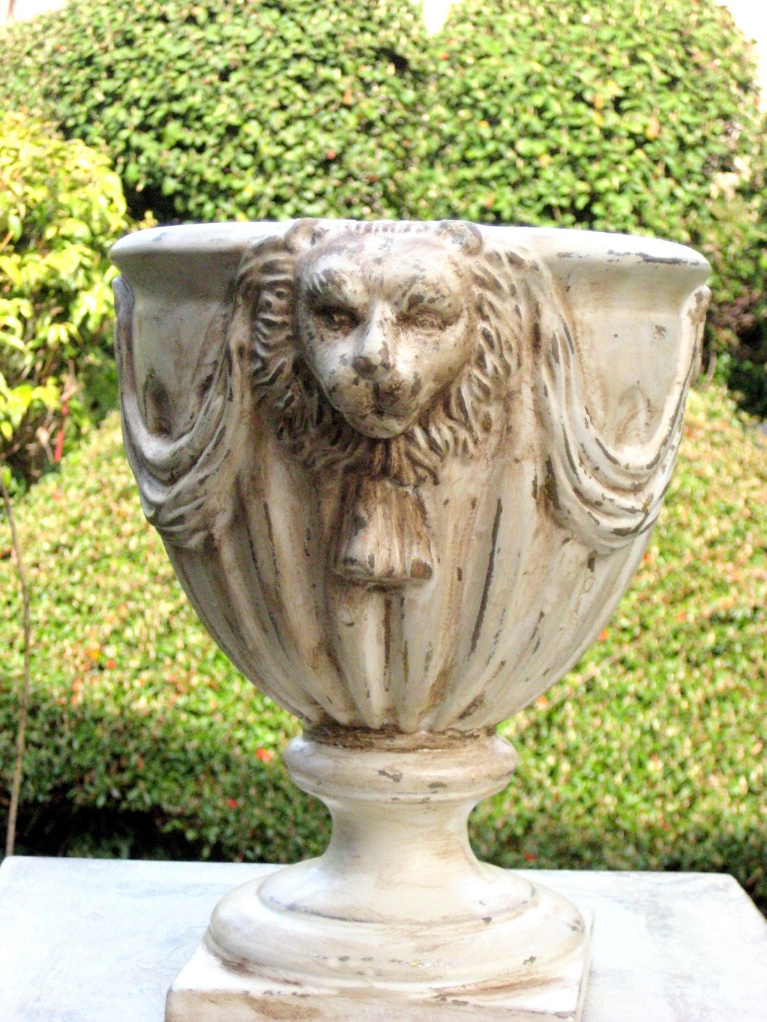Garden Planter Or Urn Lion Head Design Shabby Chic Decor