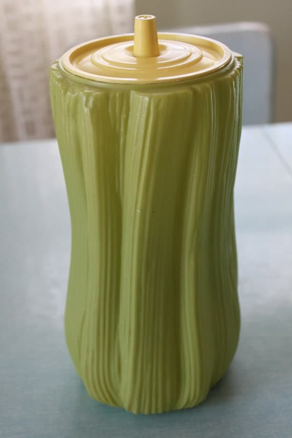 Vintage plastic celery keeper container with by speckledchicken