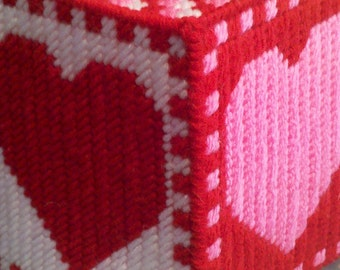 Plastic Canvas Valentine Tissue Cover