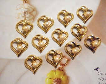 12 Vintage Goldplated 15mm Open Hearts with Pearl