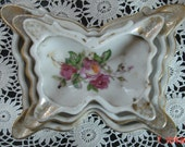 Nested Butterfly shaped Ashtrays, Porcelain decorated with cabbage roses and gold, made in Japan