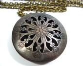 Solid Perfume Locket Vintage Silver Filigree Round Cutout