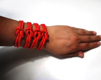 Climb rope bracelet in neon red