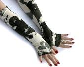 Military, khaki camo, camouflage print fingerless  gloves  -  Arm Warmers, , punk, rock, green, hand warmers