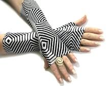 Sale Zebra Stripe Black and White fingerless gloves - Arm Warmer Cotton  Gothic Yoga Cycling Running Emo Vampire Unisex Goth Gypsy