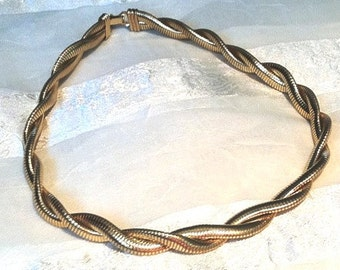Vintage Necklace Double Omega Twist in Yellow Goldtone Estate Jewelry