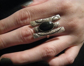 Tri Silver Black Oval Ring