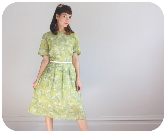 1950s COTTON DAY DRESS - Green & White Print Cotton Voile - large to xl