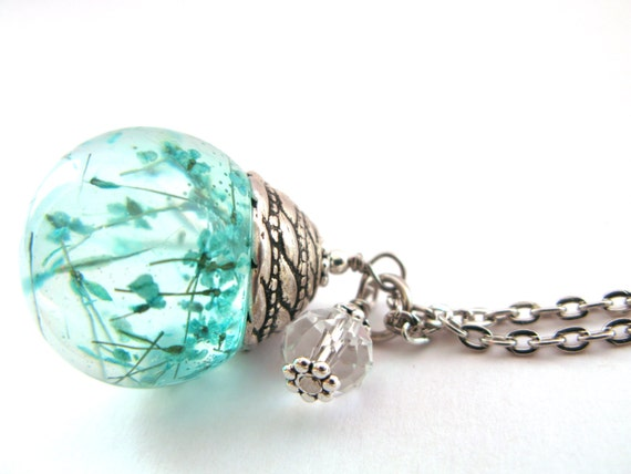 Beautiful Queen Anne S Lace Resin Pendant Necklace Sphere