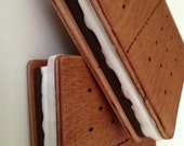 2 Wooden Play Food S'mores
