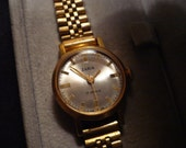 Nice Russian Zaria 17 jewels ladies wrist watch from the 70's - freshly serviced