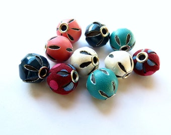10 pcs Mixed Color Faux Leather Beads Basketball Wives