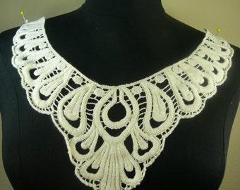 Cotton natural color V neck applique trim
