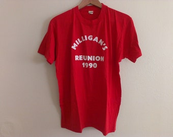 90s vintage men's medium 1990 mulligans reunion red t-shirt