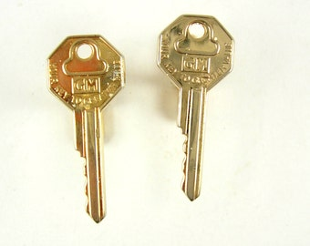 Vintage GM Automobile Key Cufflinks Business Fathers Day Signed Hickok USA