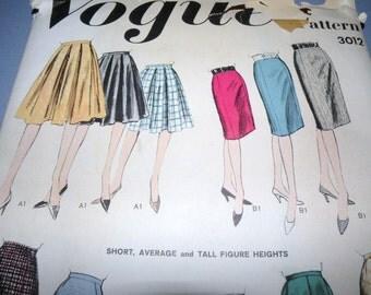 1950s VOGUE Large Envelope SKIRT Patterns Waist 28, Hip 38 UNCUT and Complete