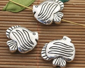 8pcs dark silver tone Tropical fish spacer beads h3932