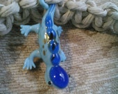 Colorful lizard macrame necklace