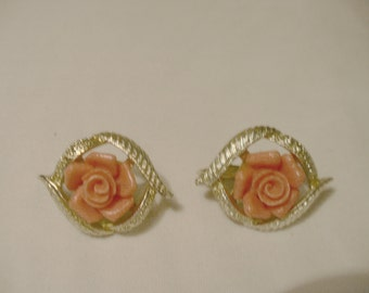 Sarah Coventry Vintage Orange Roses Surround by Silver Tone Frame Clip Earrings