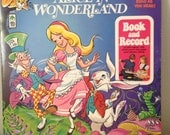 1971 Alice In Wonderland vintage book and record (comic/graphic novel style))
