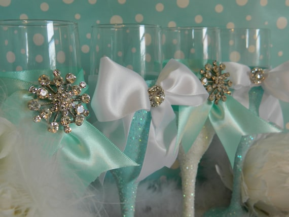 Weddings, Champagne Glasses, Champagne Flutes, Toasting Flutes,Tiffany Blue, Bridesmaid Gift, Bachelorette Party, White, Bridal Shower