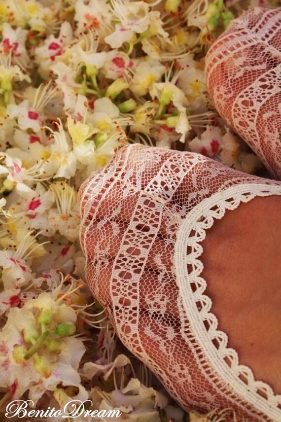 "BenitoDream lace socks - model ""Geometric and light"""
