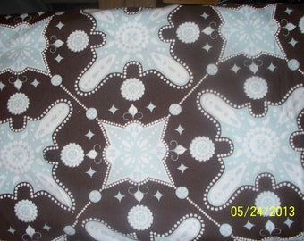 brown and blue fabric