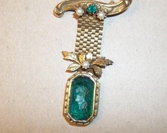 Vintage Goldtone Brooch,Green and Pearl Gemstones, Gatsby Era. Mesh Chain. GIFT